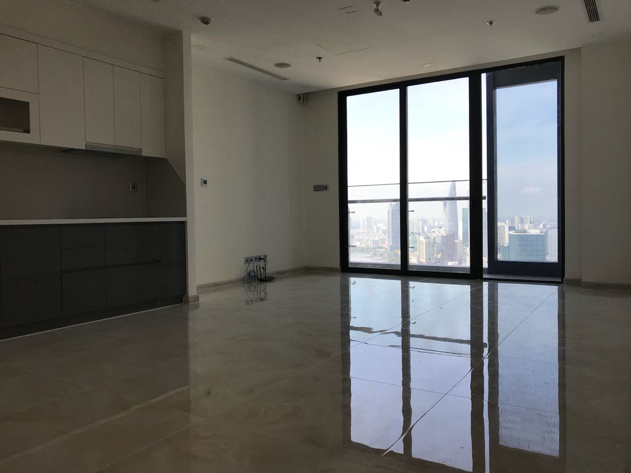 Apartment for sale VinHomes Golden River 2Bedroom Price 10.5 billion VND